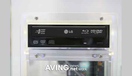 The dual Blu-ray/HD DVD player actually had been introduced by LG at last CES 2007. Now they present it again during KIS (Korea IT Show) to amplify the hype. The player features1080p full HD resolutions. Looking the shape, this player comes with common cd player design which has been polishing […]