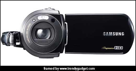 The Samsung VP-HMX10A HD camcorder boasts 10x optical zoom and records images at 1280 x 720p resolution using H.264 MPEG4 standard. This compact camera is reported as one of the smallest camcorder that will be presented during IFA 2007 (31 Aug – 5 Sept in Berlin, Germany). The main features […]