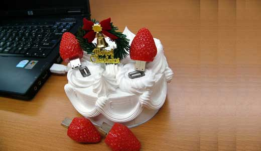Depend on your gift list, this USB Christmas Cake could be the cutest one but do not expect everyone will love it. Available in Japan for $455, this USB Hub measures 120x120x130 mm, weighs 650 gr, and consists of 4 x 1GB USB strawberry stick. Someone said that his would […]