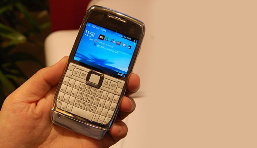 Nokia E71 Available in Singapore