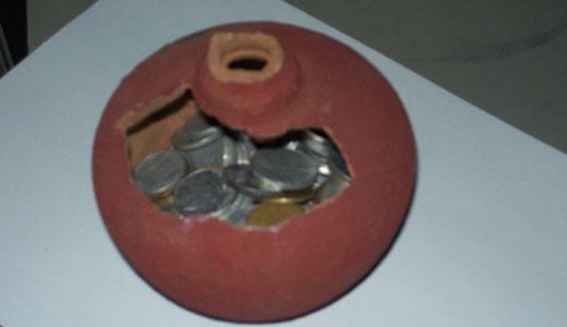 classic money jar bank