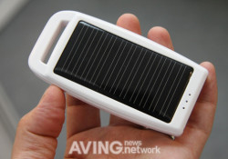 Presented at Computex Taipei 2010, the Digially CSDC-M08 portable solar charger measures 43 x 110 x 12mm that's very handy. It comes with AC-DC adaptor / USB cable, Li-ion rechargebale battery, and able to produce 5.5V/500mA of output voltage/Current.