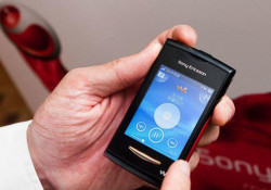 Manufactured by Arima Communications, a Taiwan-based handset maker, the Sony Ericsson Yendo walkman phone will be shipped starting in September 2010. Coming with FM radio and a 2 MP camera, the Yendo supports dual-band GSM/EDGE standards. Read