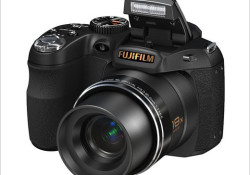 Mentioned as the smallest 18x zoom camera in the world, the Fujifilm FinePix S2800HD camera boasts 28mm – 504mm Fujinon optical zoom lens. Highlights: 14 megapixel CCD sensor, Fujifilm's Dual Image Stabilization technology, HD enabled, a mini HDMI port, 23 MB Internal memory, and powered by 4 x AA batteries.
