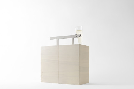 [Text from nendo] Ruinart was interested in a new perspective on urban living that celebrates all the city has to offer through picnicking, rather than trying to escape from the city. Our design motif is the way that birds fly down to perch on an telephone wire for a moment's […]