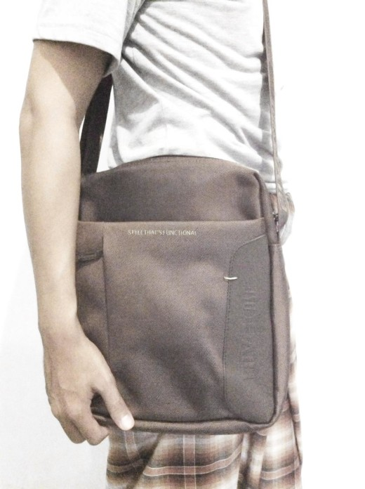 Rivacase 8112 Tablet Bag 10.2  - Brown