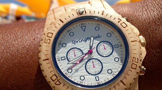 Take a look at this eco-friendly wood watch that helps to end childhood hunger. Each watch sold provides up to 10 meals to a child in need. (And they're cool too!). When compared to other wood watches, this watches are more vibrant, stylish, and affordable. I think you will connect […]